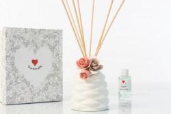 Profumatore sablè con fiore rosa, simply white